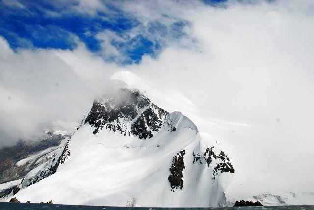 El Breithorn oculto por las nubes