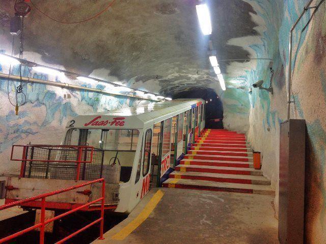 El metro alpino de Saas Fee