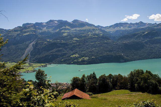 Primeras vistas del lago de Brienz desde el tren