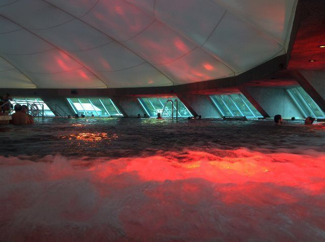 Relax en la piscina interior