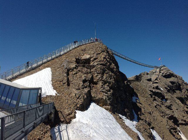 Subiendo hacia el Peak Walk by Tissot