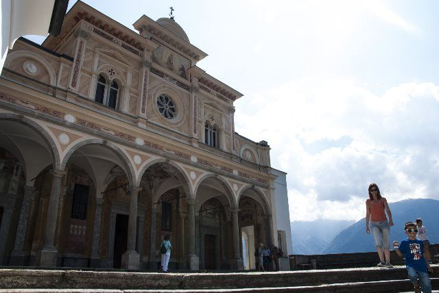 Fachada de Madonna del Sasso