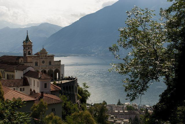 Lago Mayor y Madonna del Sasso