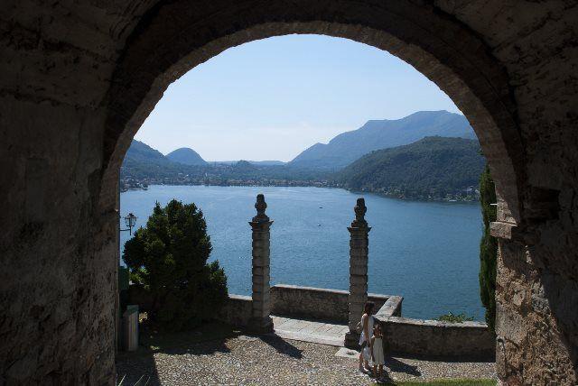 Sugerente lago Ceresio