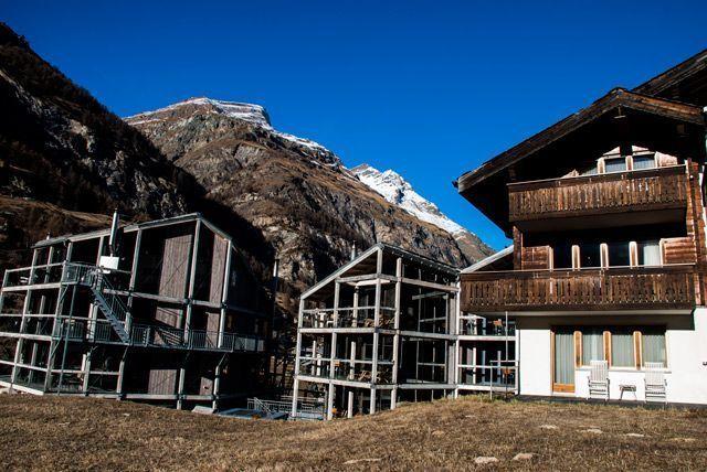 los tres edificios del hotel Focus Matterhorn