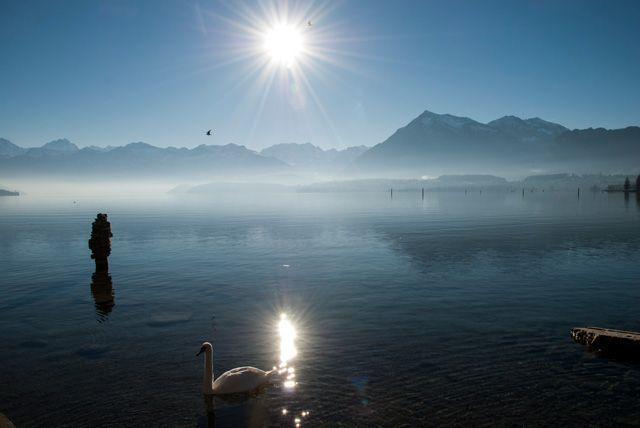 El Niesen y el lago Thun