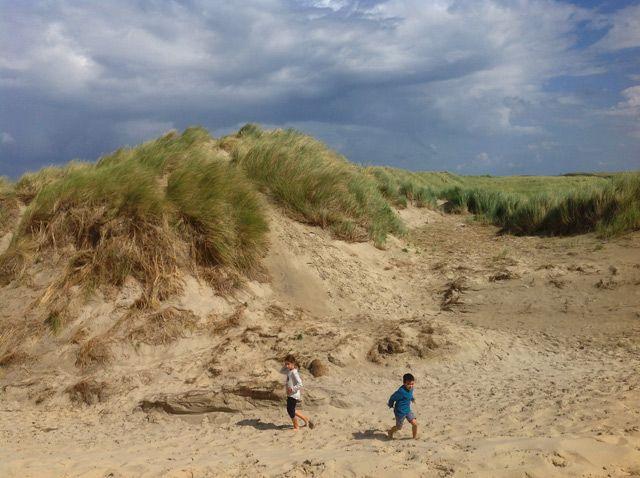 Jugando en las dunas de Ameland