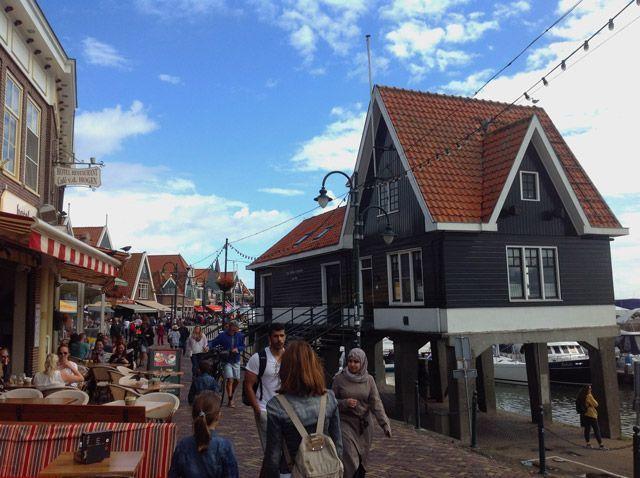 Paseo por Volendam