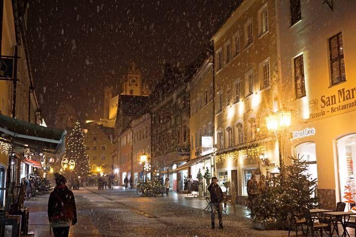 Nieve en la calle comercial de Füssen
