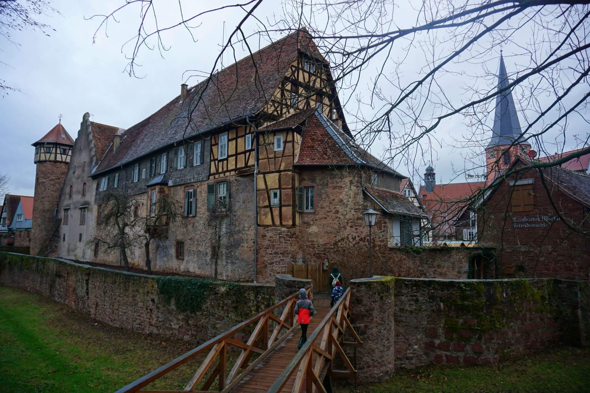 La muralla y el foso de Michelstädt