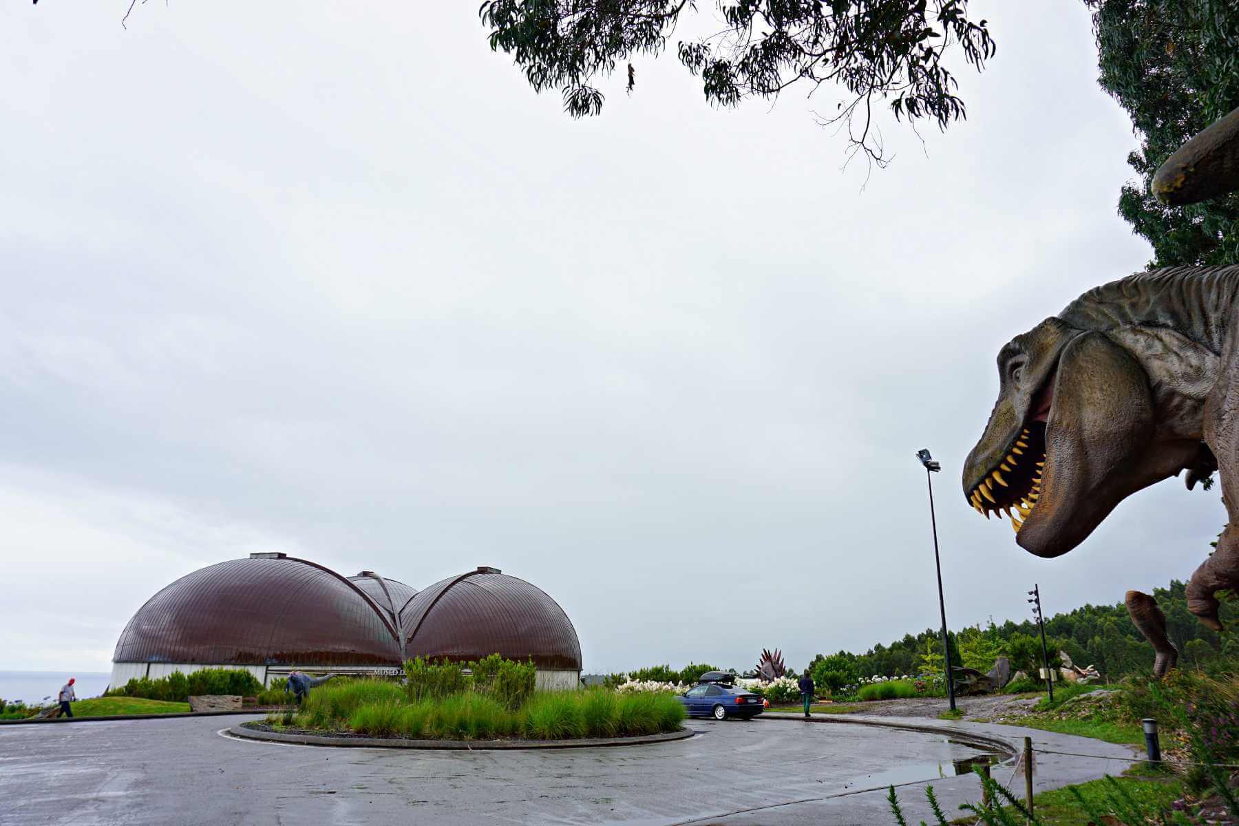 Museo Jurásico De Asturias Muja El Reino De Los Dinosaurios Vacacionesporeuropa