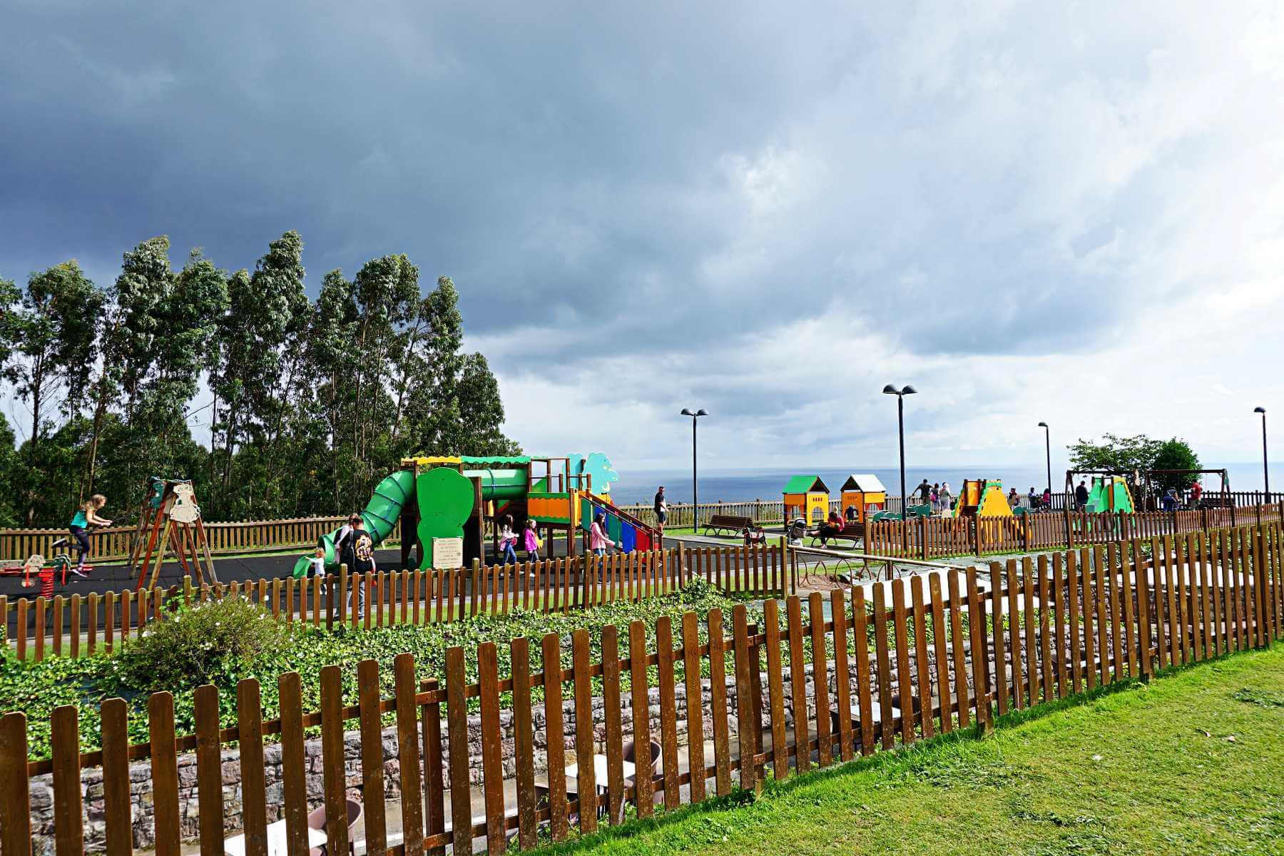 Parque infantil del MUJA